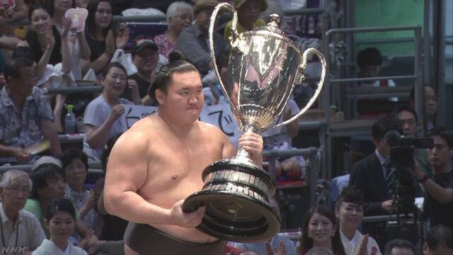 大相撲 横綱の白鵬が39回目の優勝