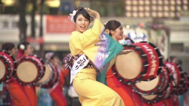 岩手県のお祭り「盛岡さんさ踊り」が始まる