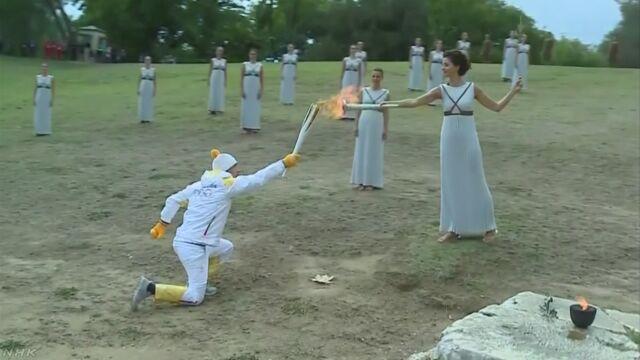 ピョンチャン五輪の聖火 ギリシャで採火式