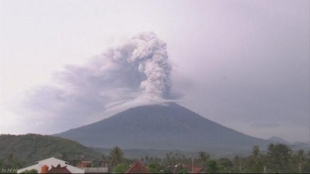バリ島 火山噴火活動続く 空の便欠航で大きな影響
