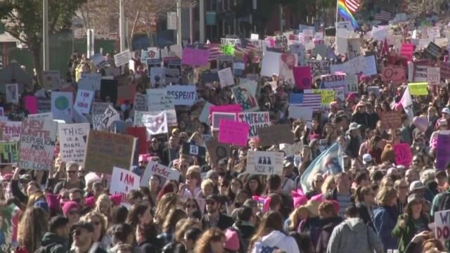 セクハラ行為に抗議 ハリウッド女優ら50万人がデモや集会