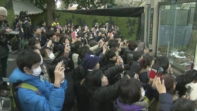 シャンシャン 先着順の観覧開始で開園前に1200人