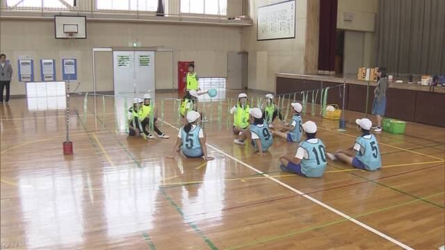 千葉市 体育の授業でパラリンピックのスポーツを教える