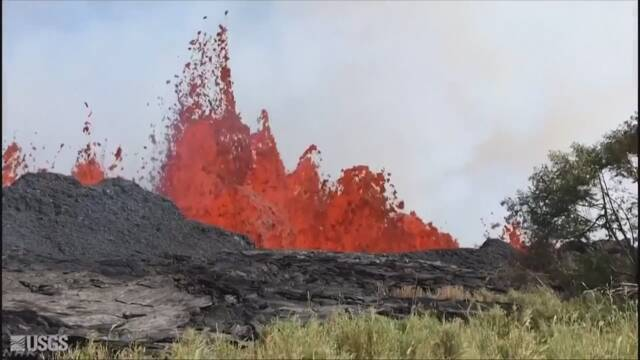 ハワイ島で火山の噴火が続く 溶岩で男性がけがをする