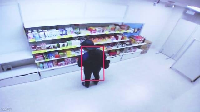 AIが入ったカメラで店の品物を盗まれないようにする