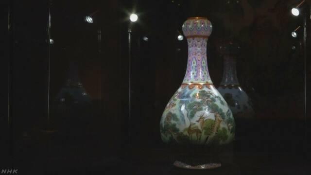 フランス 家の屋根裏で見つけた花瓶が21億円で売れた