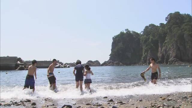 津波で被害を受けた岩手県田野畑村 久しぶりの海水浴