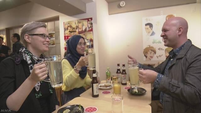 アニメと日本の料理を一緒に楽しむことができる居酒屋