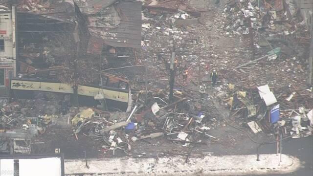 札幌で爆発 「部屋でスプレー120本のガスを出した」